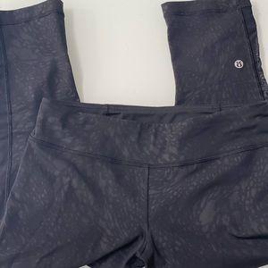 Ultra rare 🤩 Lululemon Crop Camo black/black